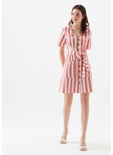 Mavi Kadın  V Yaka Düğme Detaylı Çizgili Elbise 130871-31016 Kırmızı